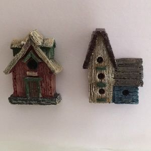 Vintage 2 Birdhouse Brooches 80's